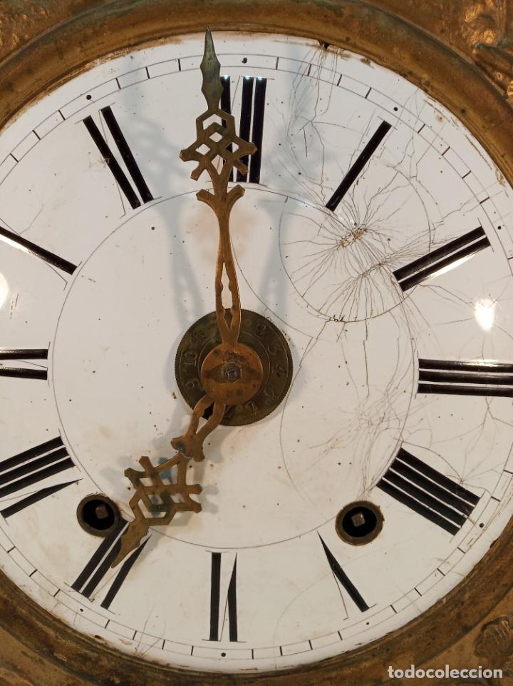 Relojes de pared: Reloj Morez de pared. Péndulo de tijera plegable y grandes pesas de plomo macizas, incluye llave. - Foto 3 - 190936223