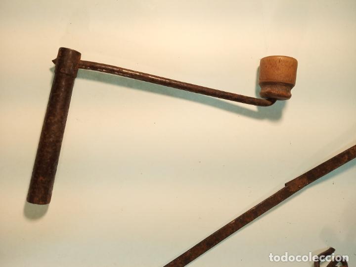 Relojes de pared: Reloj Morez de pared. Péndulo de tijera plegable y grandes pesas de plomo macizas, incluye llave. - Foto 10 - 190936223
