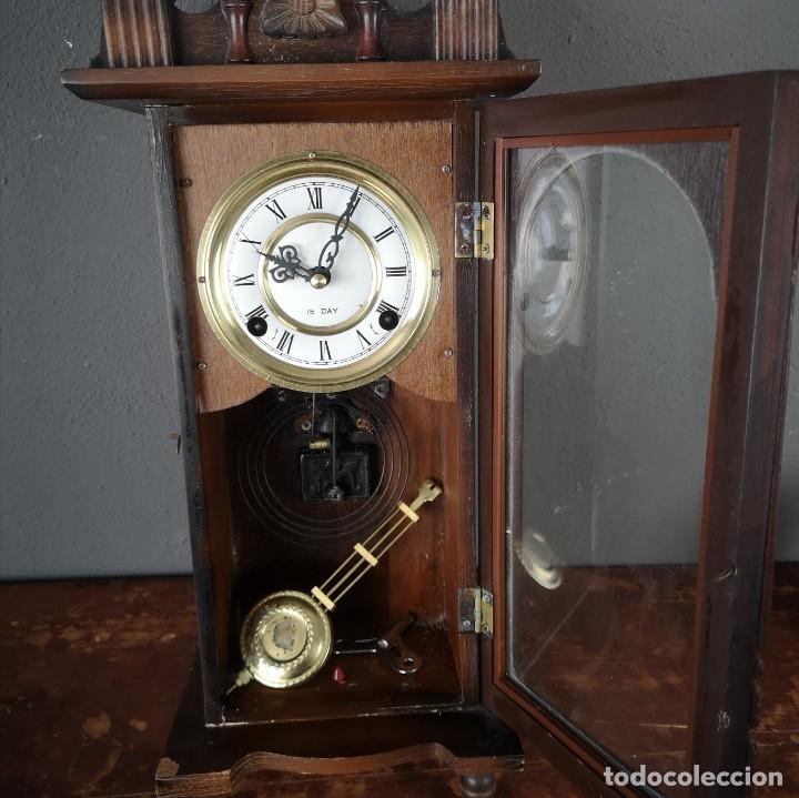 RELOJ DE PARED VINTAGE CARGA MANUAL DE 15 DIAS CON LLAVE Y PENDULO (Relojes - Pared Carga Manual)
