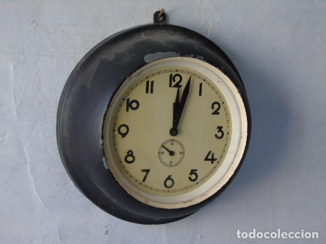 RELOJ ANTIGUO DE BARCO O INDUSTRIAL RELOJ A CUERDA ANTIGUO (Relojes - Pared Carga Manual)