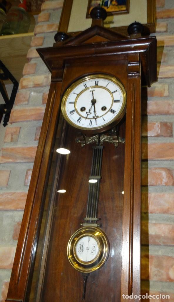Relojes de pared: RELOJ ALFONSINO CAJA DE MADERA EN FUNCIONAMIENTO.ESFERA DE PORCELANA.PÉNDULO. CARGA MANUAL - Foto 6 - 193018405