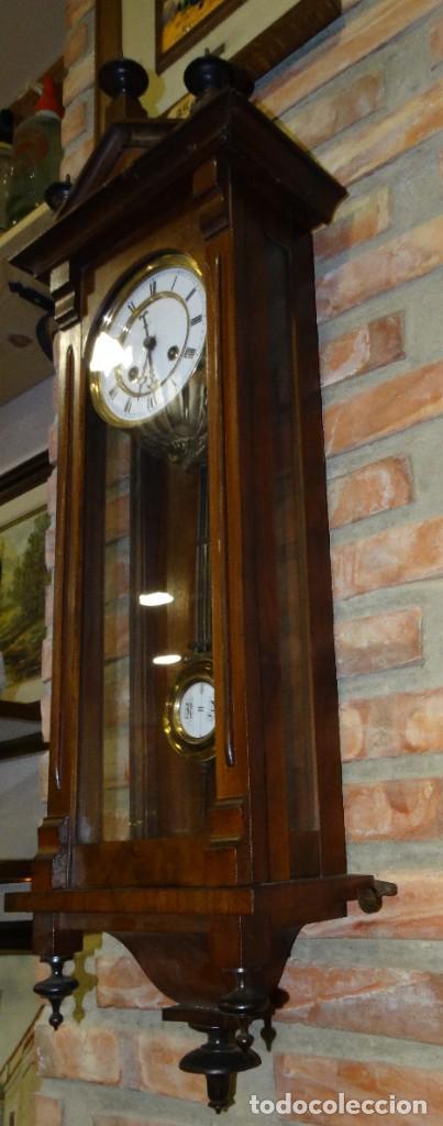 Relojes de pared: RELOJ ALFONSINO CAJA DE MADERA EN FUNCIONAMIENTO.ESFERA DE PORCELANA.PÉNDULO. CARGA MANUAL - Foto 7 - 193018405