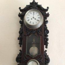 Relojes de pared: RELOJ BAROMETRO EN MADERA TALLADA. Lote 194300460