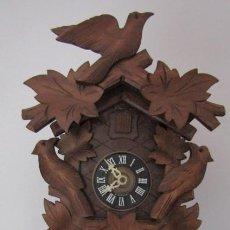 Relojes de pared: RELOJ ANTIGUO DE PARED ALEMÁN CUCU CUCO PÉNDULO FUNCIONA CON PESAS FABRICADO EN SELVA NEGRA ALEMANA. Lote 194326161