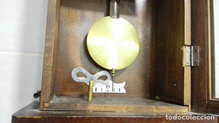 Relojes de pared: RELOJ PARED DE MADERA, A CUERDA, CON PENDULO, MEDIDA 60 X 28 X 15 CM - Foto 5 - 194326427