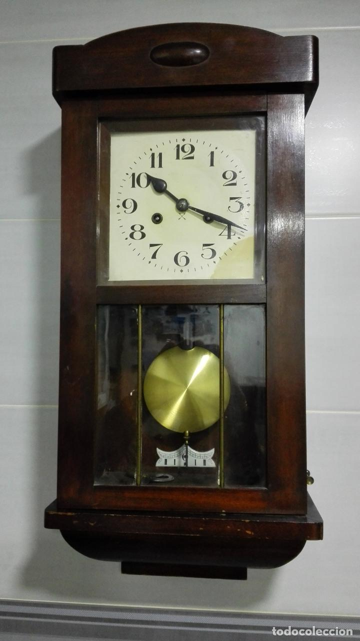 RELOJ PARED DE MADERA, A CUERDA, CON PENDULO, MEDIDA 60 X 28 X 15 CM (Relojes - Pared Carga Manual)