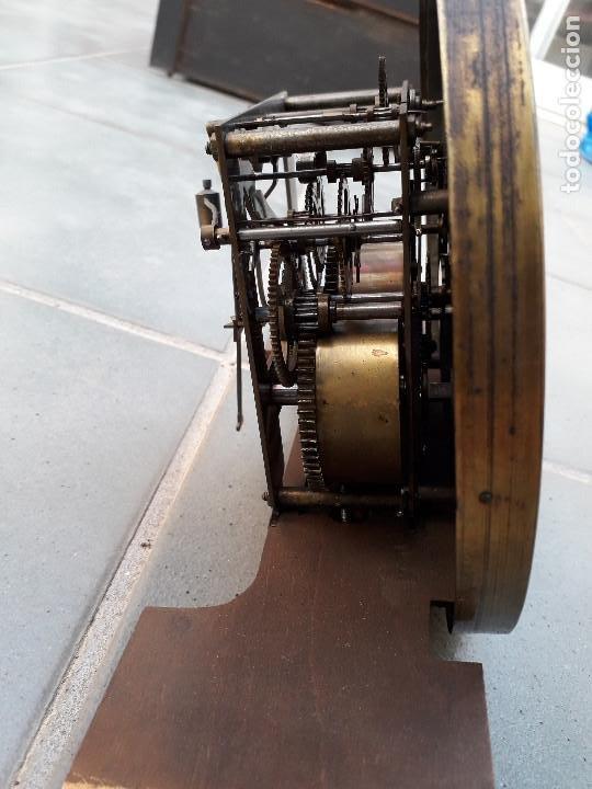 Relojes de pared: reloj de pared de madera, mecanismo funciona pero uno de los muelles salta, 64x38x17cm aprox - Foto 14 - 194387563