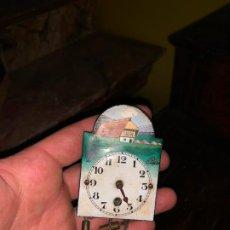 Relojes de pared: DIMINUTO RELOJ TIPO RATERA SELVA NEGRA ALEMANIA. Lote 194405632
