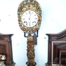Relojes de pared: RELOJ MORE DE PENDULO REAL. Lote 195176477