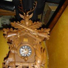 Relojes de pared: BONITO RELOJ DE CUCO DE LA SELVA NEGRA VER FOTOS ESTADO CASI COMO NUEVO. Lote 195197367