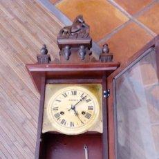 Relojes de pared: RELOJ DE PARED PÉNDULO MORES DESCONOZCO AÑO LEER. Lote 195300356