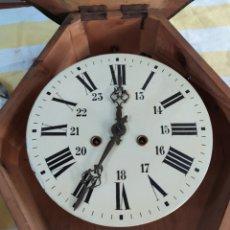 Relojes de pared: ANTIGUA MAQUINARIA PARA RELOJ OJO DE BUEY SIGLO XIX. Lote 195477055