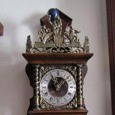 Relojes de pared: RELOJ ANTIGUO DE PARED ALEMÁN CON PESAS Y PÉNDULO ESTILO HOLANDES FUNCIONA Y DA CAMPANADAS AÑOS 50. Lote 195496481