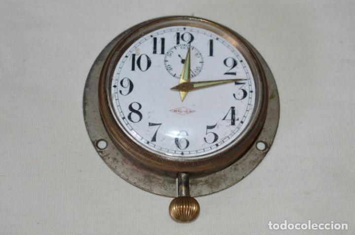 G. J . - ANTIGUO RELOJ DE BARCO / AVIÓN - DE CARGA MANUAL / FUNCIONANDO - MARCA G.J. ¡MIRA FOTOS! (Relojes - Pared Carga Manual)