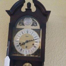 Relojes de pared: RELOJ DE PARED ALEMÁN, MARCA URGOS,TEMPUS FUGIT, CON PÉNDULO Y CARRILLÓN. Lote 196659870