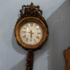 Orologi da parete: ELEGANTE RELOJ DE MADERA ESTOFADA. S. XIX. EN MARCHA.. Lote 196806332
