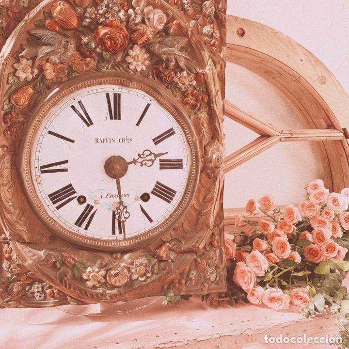 INCREÍBLE RELOJ FLORAL POLICROMADO FRANCÉS ANTIQUE UNIQUE (Relojes - Pared Carga Manual)