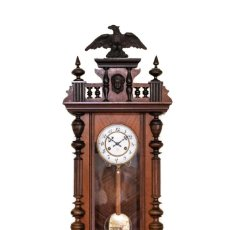 Relojes de pared: ANTIGUO RELOJ DE PARED ALFONSINO DE LA CASA JUNGHANS DE ORIGEN ALEMÁN Y FUNCIONANDO.. Lote 199215003