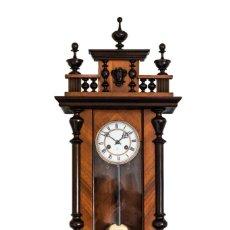 Relojes de pared: ANTIGUO RELOJ DE PARED ALFONSINO DE LA CASA JUNGHANS DE ORIGEN ALEMÁN Y FUNCIONANDO.. Lote 199355316