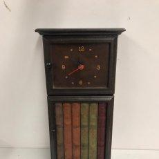 Relojes de pared: RELOJ CUELGA LLAVES. Lote 238673900