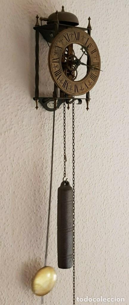 MAGNIFICO Y ANTIGUO RELOJ ESQUELETO PENDULO PESA Y SONERIA FUNCIONANDO (Relojes - Pared Carga Manual)