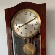 Relojes de pared: RELOJ AÑOS 50 , PERFECTO ESTADO CAJA Y MAQUINARIA MANUAL VINTAGE. Lote 191687891