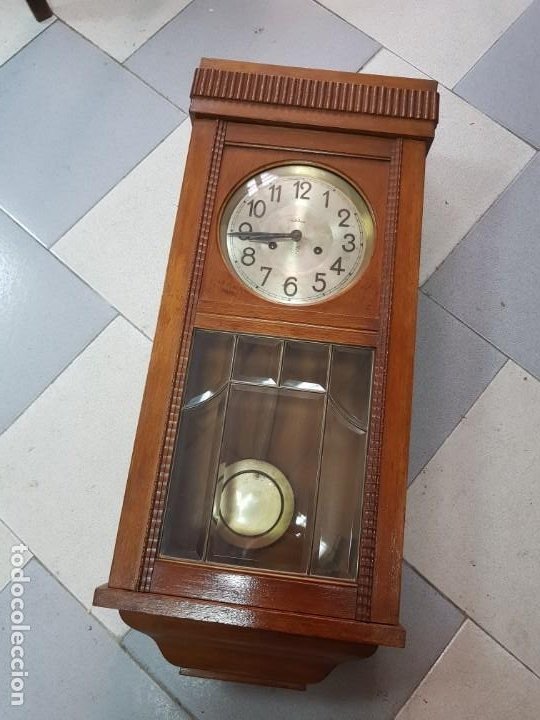 ANTIGUO RELOJ DE PARED MODERNISTA SONORA U M (Relojes - Pared Carga Manual)