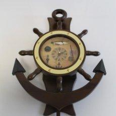 Relojes de pared: RELOJ DE PARED DE MADERA, CON TEMÁTICA DE PESCA Y BARCOS. Lote 202524897