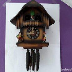 Relojes de pared: ORIGINAL RELOJ DE CUCO SELVA NEGRA, AUTÓMATA DE MÚSICA, FIGURAS EN MOVIMIENTO, AÑOS 60. Lote 202670866