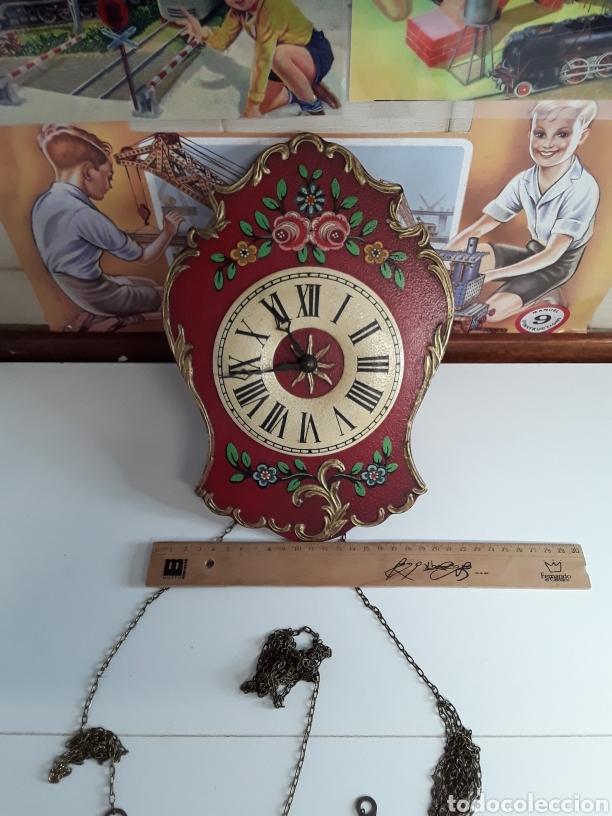 Relojes de pared: Reloj de pared en madera pintada a mano de principios de el siglo xx - Foto 3 - 203414123