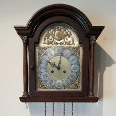 Relojes de pared: PRECIOSO RELOJ DE PARED, CARGA MANUAL, CON EL ESCUDO CATALAN, FUNCIONA.. Lote 204308597
