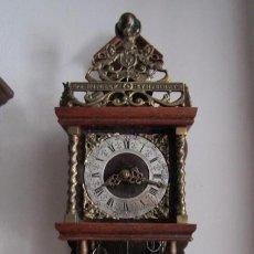 Relojes de pared: RELOJ ANTIGUO MECÁNICO DE PARED HOLANDÉS WUBA CON PESAS Y PÉNDULO FUNCIONA DA CAMPANADAS AÑOS 50/60. Lote 204701737