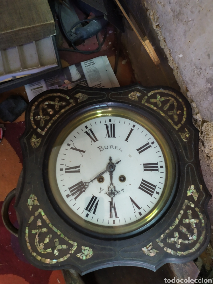 ANTIGUO RELOJ OJO DE BUEY CON NÁCAR SIGLO XIX (Relojes - Pared Carga Manual)