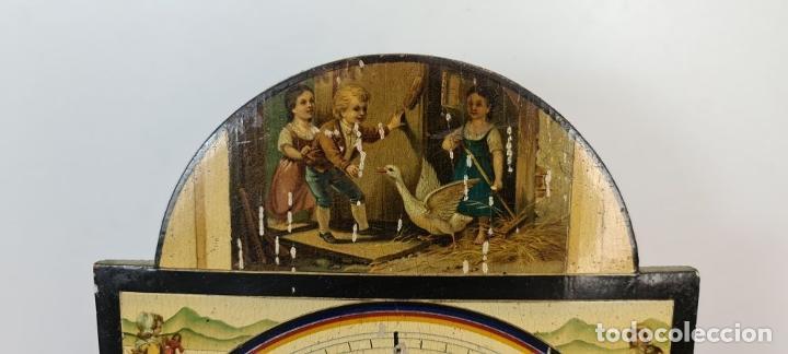Relojes de pared: RELOJ DE PARED. RATERA. FRONTAL DE MADERA POLICROMADA. SELVA NEGRA. SIGLO XIX. - Foto 2 - 208670113