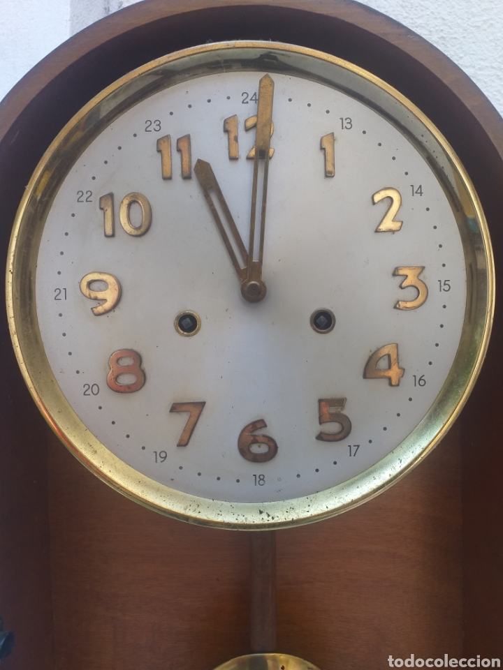 Relojes de pared: BONITO RELOJ DE PARED, CARGA MANUAL CAJA DE MADERA - Foto 3 - 208750342