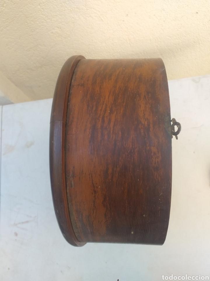 Relojes de pared: BONITO RELOJ DE PARED, CARGA MANUAL CAJA DE MADERA - Foto 9 - 208750342
