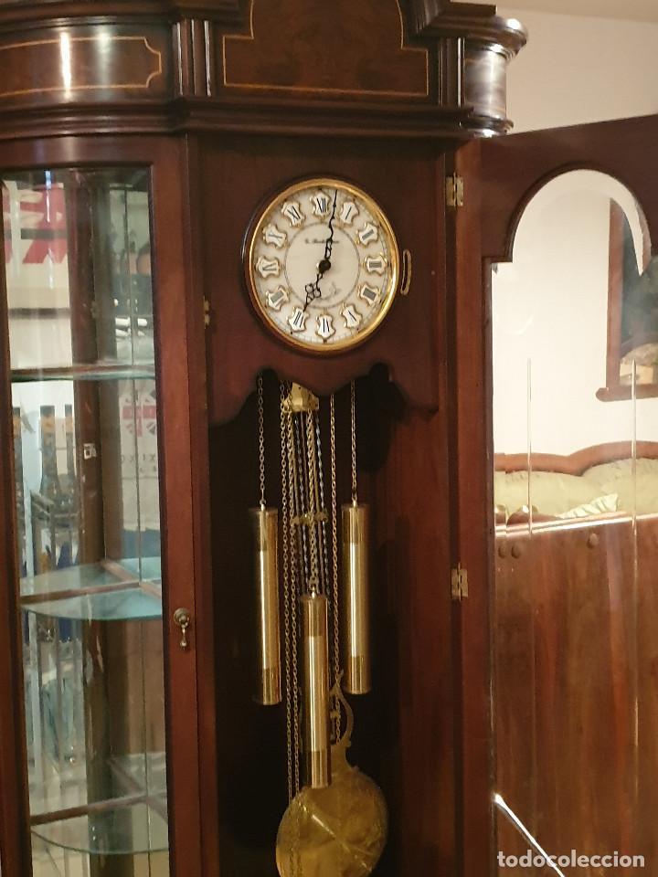 Relojes de pared: MAGNIFICO RELOJ DE PIE PENDULO CON VITRINA - Foto 21 - 209630055