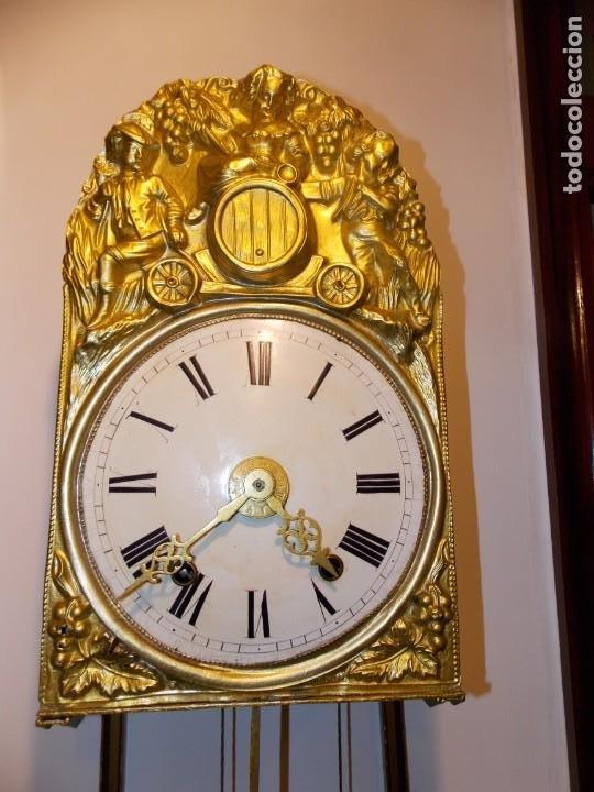 Relojes de pared: ANTIGUO RELOJ MOREZ FRANCES DE CHAPA - MOTIVO VENDIMIA - Foto 13 - 210564856
