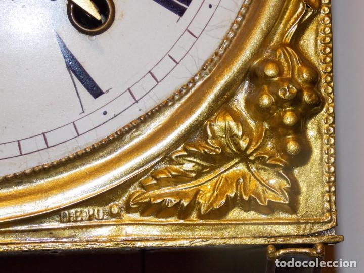 Relojes de pared: ANTIGUO RELOJ MOREZ FRANCES DE CHAPA - MOTIVO VENDIMIA - Foto 12 - 210564856