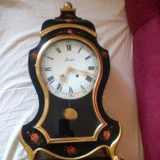 Relojes de pared: ESPECTACULAR RELOJ ZENITH SUISSE MADE LE LOCLE,CON PEANA,DE MADERA PINTADO A MANO.AÑOS 30/40. Lote 211621416