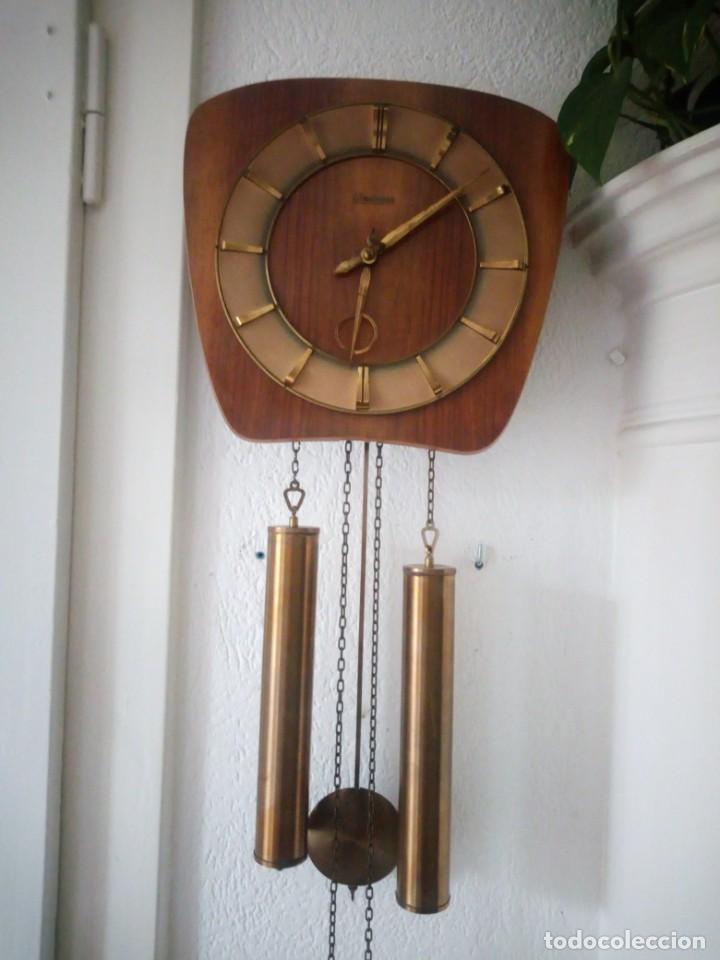 RELOJ DE PARED KIENINGER,CON SONERIA,LAS HORAS Y LAS MEDIAS.AÑOS 40/50 (Relojes - Pared Carga Manual)