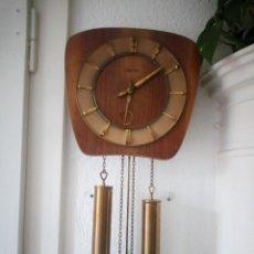 Relojes de pared: RELOJ DE PARED KIENINGER,CON SONERIA,LAS HORAS Y LAS MEDIAS.AÑOS 40/50. Lote 211954441