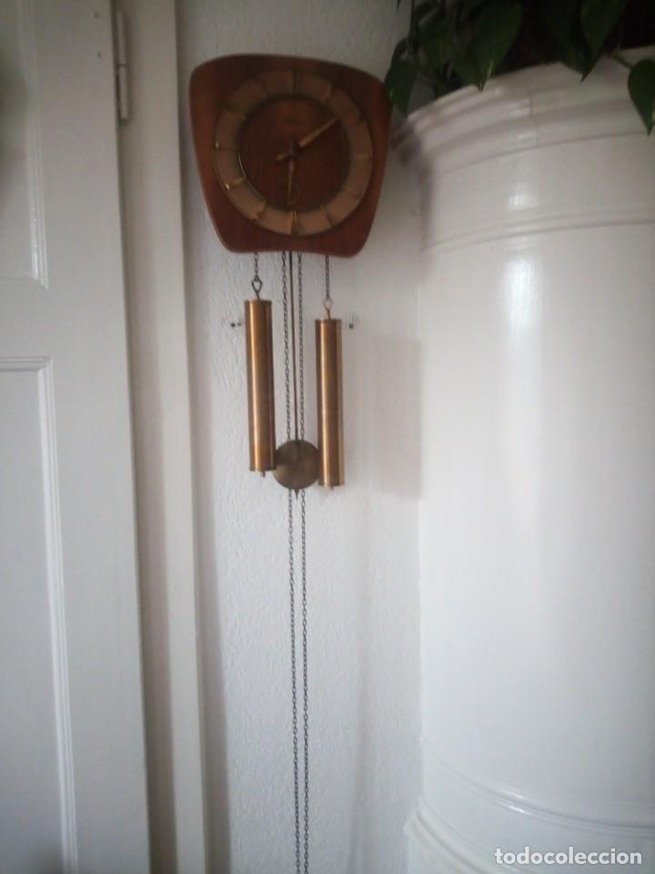 Relojes de pared: reloj de pared kieninger,con soneria,las horas y las medias.años 40/50 - Foto 2 - 211954441