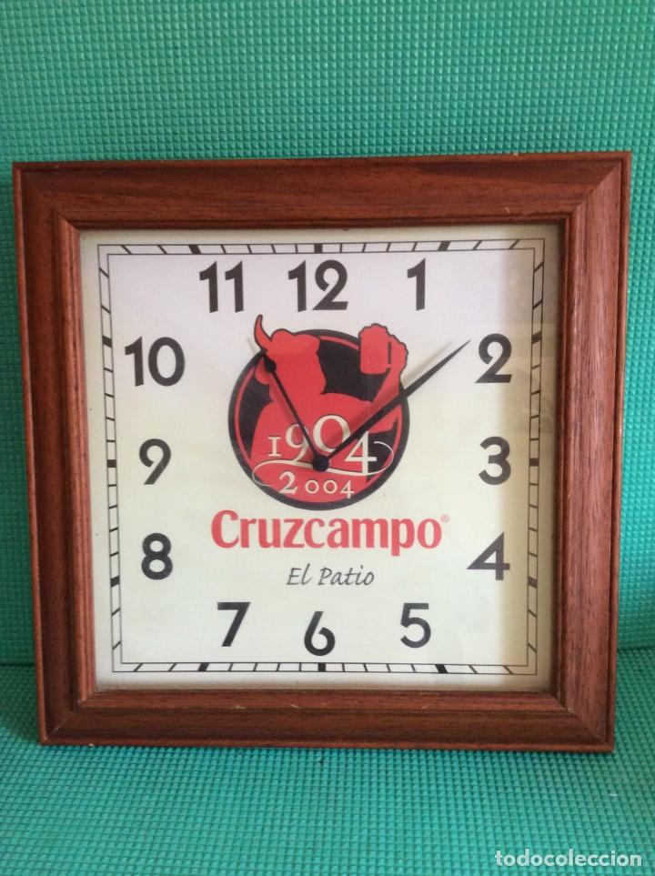 RELOJ DE PARED CERVEZA CRUZ CAMPO FUNCIONANDO (Relojes - Pared Carga Manual)