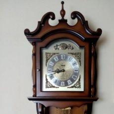 Relojes de pared: RELOJ DE PARED HERSA TEMPUS FUGIT CARGA MANUAL PESAS PÉNDULO CADENAS EN BRONCE. Lote 213809737