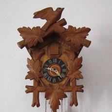 Relojes de pared: RELOJ ANTIGUO DE PARED ALEMÁN CUCU CUCO PÉNDULO FUNCIONA CON PESAS FABRICADO EN SELVA NEGRA ALEMANA. Lote 214124877