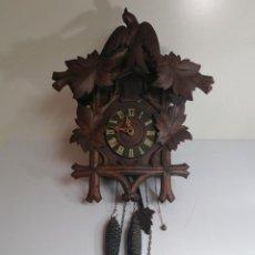 Relojes de pared: ANTIGUO RELOJ CUCU TODO MADERA. Lote 215115327