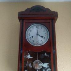 Relojes de pared: RELOJ A CUERDA FUNCIONANDO!!. Lote 216457758