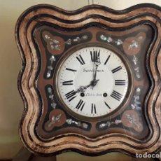 Relojes de pared: RELOJ NAPOLEÓN III, SIGLO XIX. MUY ANTIGUA MAQUINARIA TIPO MOREZ. Lote 217328467
