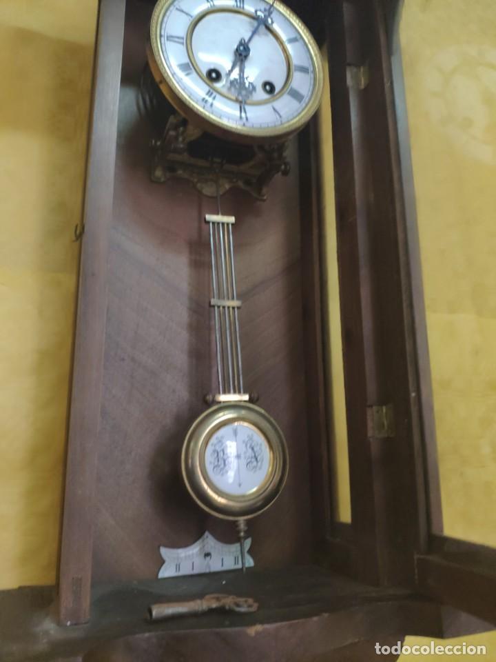Relojes de pared: RELOJ DE PARED CON PÉNDULO SIGLO XX, 6000-070C - Foto 15 - 217844086